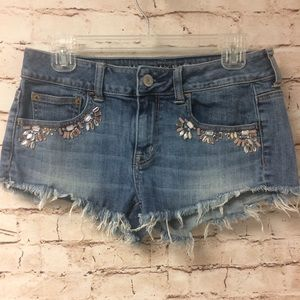 American Eagle embellished Denim Shorts Size 4